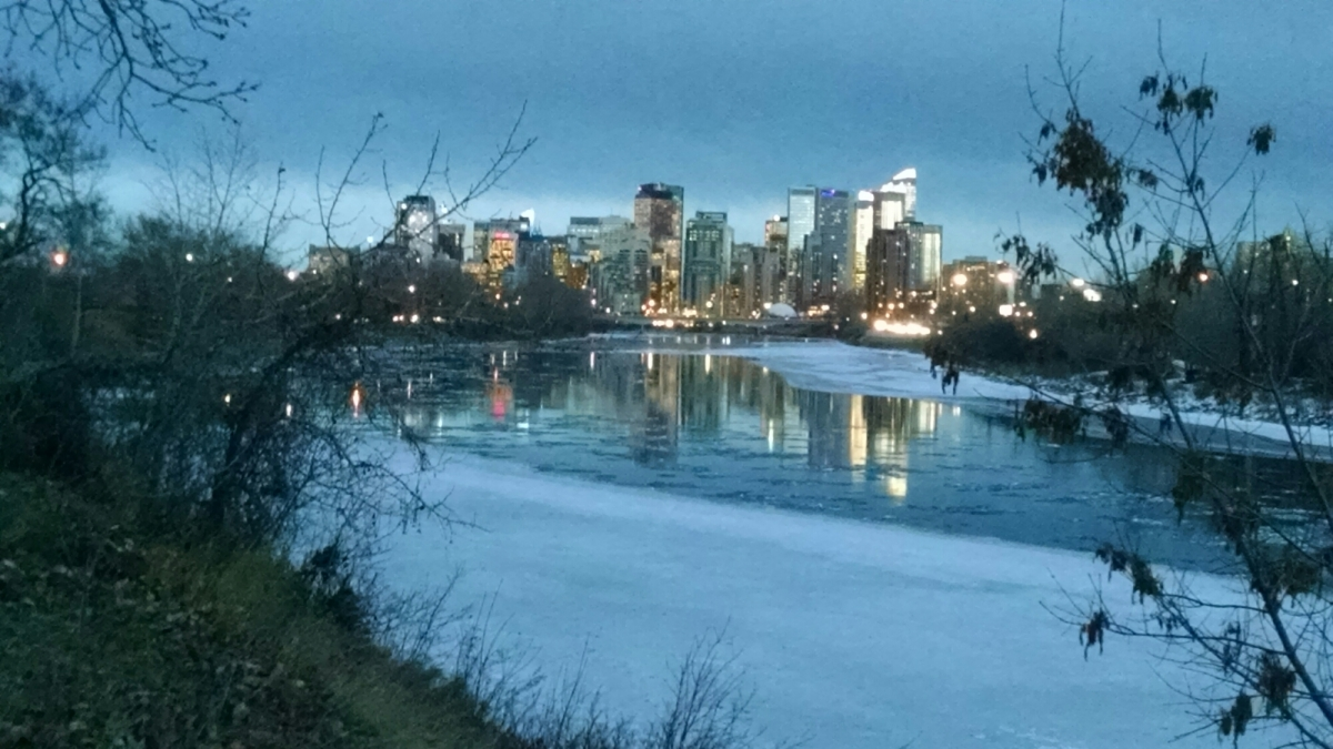 River meets city